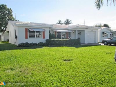 Pompano Beach Single Family Home For Sale: 320 Leisure Blvd