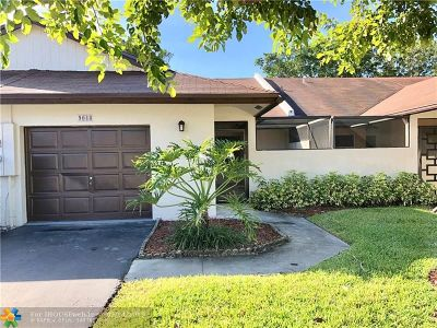 Tamarac Condo/Townhouse For Sale: 9048 NW 61 St St