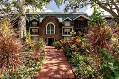 Lauderhill Condo/Townhouse For Sale: 3670 Inverrary Dr #1E