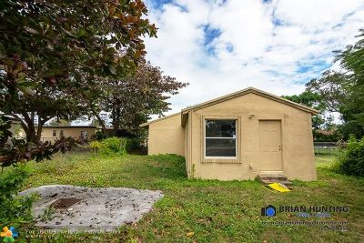 Miami Single Family Home For Sale: 17821 SW 103rd Ave