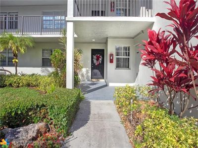 Pompano Beach Condo/Townhouse For Sale: 4011 N Cypress Dr #104