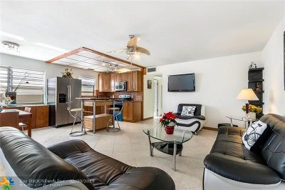 Deerfield Beach Condo/Townhouse For Sale: 45 Lyndhurst B #45