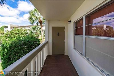 Coconut Creek Condo/Townhouse For Sale: 2901 Victoria Cir #A2