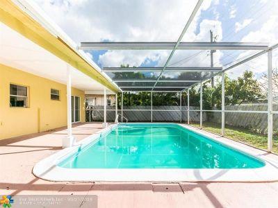 Miramar Single Family Home For Sale: 7928 Kismet St