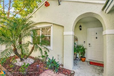Plantation Single Family Home For Sale: 9901 NW 9th Ct
