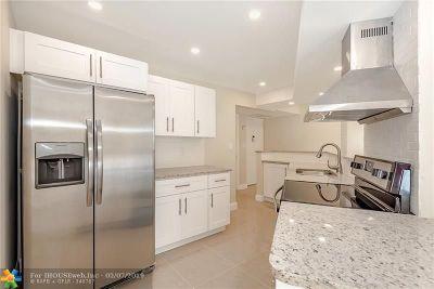 Lauderhill Condo/Townhouse For Sale: 6921 Environ Blvd #1N