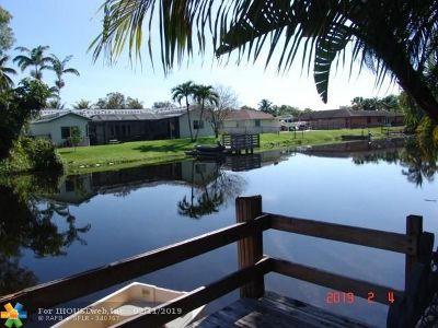 Plantation Single Family Home For Sale: 7000 SW 7th St
