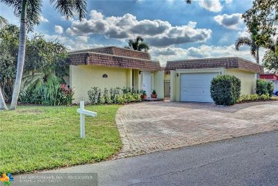 Tamarac Single Family Home For Sale: 5702 Bamboo Cir