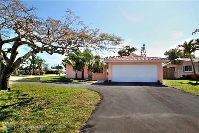 Oakland Park Single Family Home For Sale: 440 NE 45th Ct
