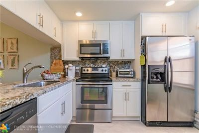Coconut Creek Condo/Townhouse For Sale: 1106 Bahama Bnd #A1