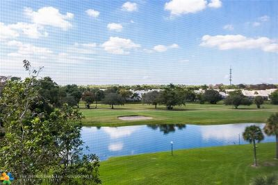 Pompano Beach Condo/Townhouse For Sale: 3507 Oaks Way #511