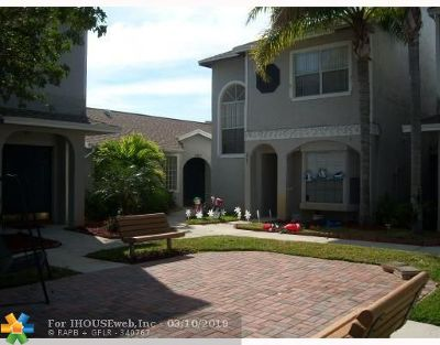 Sunrise Condo/Townhouse For Sale: 3863 NW 121 #3863