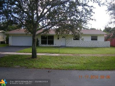 Plantation Single Family Home For Sale: 4881 NW 7th Dr