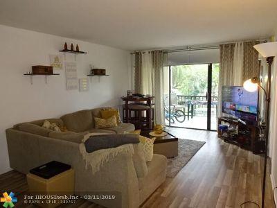 Lauderhill Condo/Townhouse For Sale: 6010 S Falls Circle Dr #320