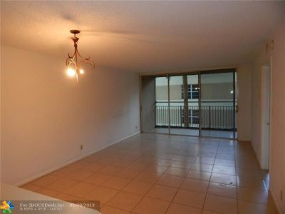 Coral Springs Condo/Townhouse For Sale: 8254 NW 24th St #D