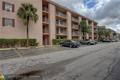 Lauderdale Lakes Condo/Townhouse For Sale: 3070 NW 48th Ter #111