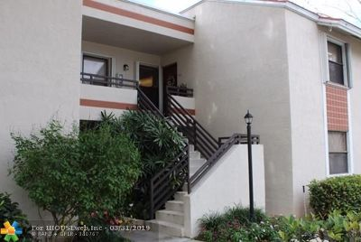 Plantation Condo/Townhouse For Sale: 9851 NW 3rd Ct #9851