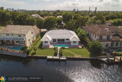 Bay Colony Single Family Home For Sale: 31 Bay Colony Dr