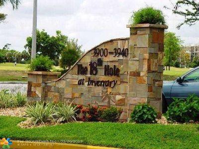 Lauderhill Condo/Townhouse For Sale: 3940 Inverrary Blvd #606-A