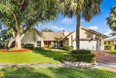 Deerfield Beach Single Family Home For Sale: 2549 Deer Creek Lakes Drive