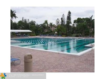 Coconut Creek Condo/Townhouse Backup Contract-Call LA: 2929 N Carambola Cir #2004
