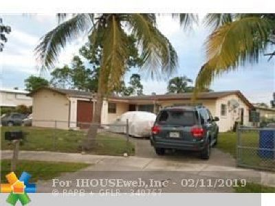 Pompano Beach Single Family Home For Sale: 2420 NE 1st Way