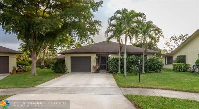 Delray Beach Single Family Home For Sale: 2736 Carnation Ct