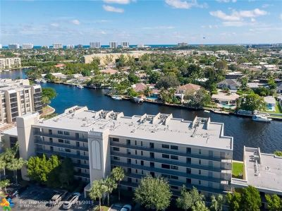 Boca Raton Condo/Townhouse For Sale: 20 Royal Palm Way #302