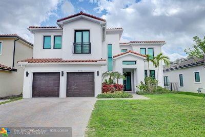 Hollywood Single Family Home For Sale: 5770 E Brookfield Cir E
