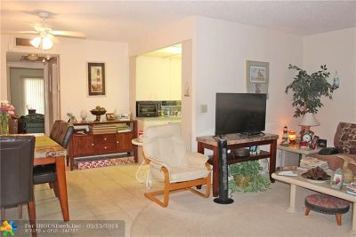 Deerfield Beach Condo/Townhouse For Sale: 4037 Harwood D #4037