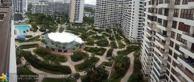 Hallandale Condo/Townhouse For Sale: 2500 Parkview Dr #1618