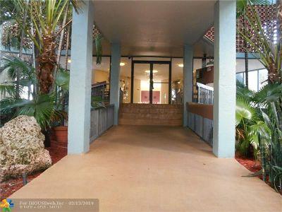 Lauderhill Condo/Townhouse For Sale: 4222 Inverrary Blvd #4814