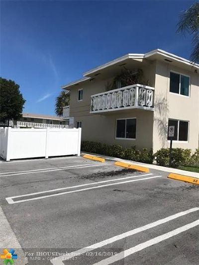 Pompano Beach Condo/Townhouse For Sale: 3300 NE 10th Ter #15
