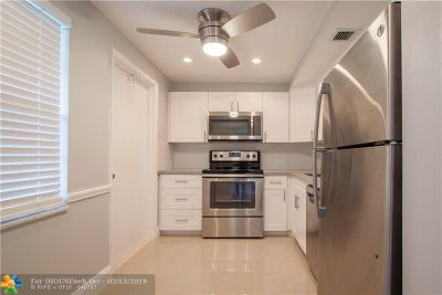 Pompano Beach Condo/Townhouse For Sale: 3001 S Course Dr #108