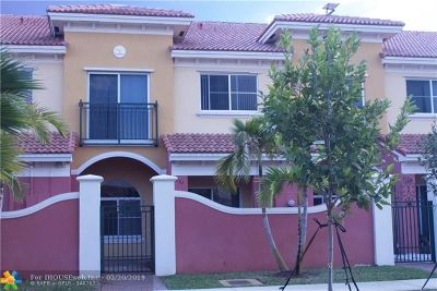 Lauderdale Lakes Condo/Townhouse For Sale: 3534 NW 29th Place