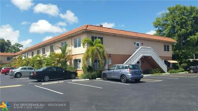 Wilton Manors Condo/Townhouse For Sale: 639 W Oakland Park Blvd #217-D