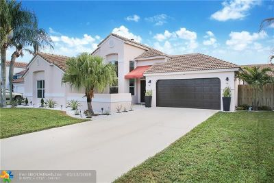 Boynton Beach Single Family Home For Sale: 29 Dogwood Cir