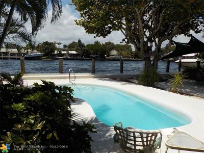 Pompano Beach Multi Family Home For Sale: 313 S Riverside Dr