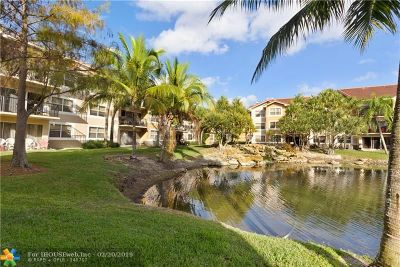 Coral Springs Condo/Townhouse For Sale: 8891 Wiles Rd #204
