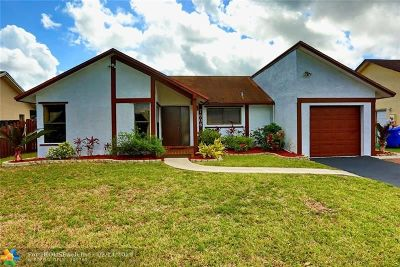 North Lauderdale Single Family Home For Sale: 7606 SW 8th St
