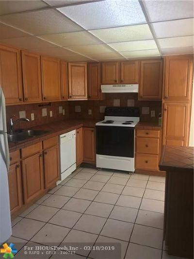 Oakland Park Single Family Home For Sale: 5409 NE 3rd Ave