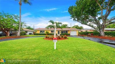 Pompano Beach Single Family Home For Sale: 2560 NE 19th St