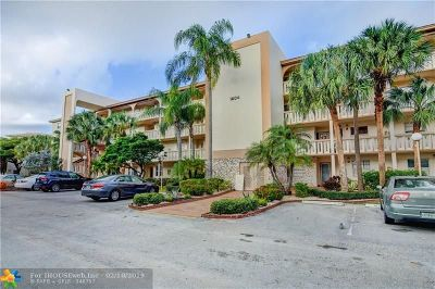 Coconut Creek Condo/Townhouse For Sale: 1604 Abaco Dr #A-1