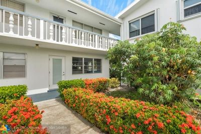 West Palm Beach Condo/Townhouse For Sale: 5 Bedford A #A