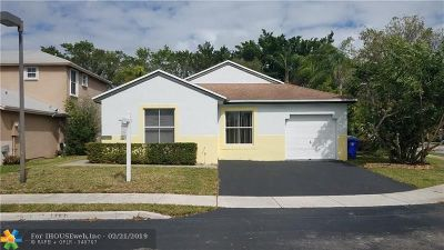 Pembroke Pines Single Family Home For Sale: 20753 NW 3rd Ct