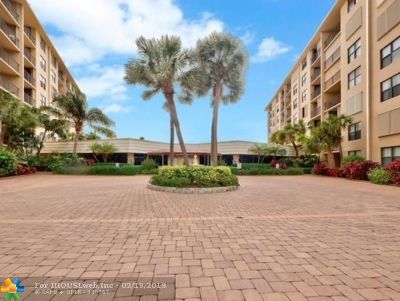 South Palm Beach Condo/Townhouse For Sale: 3545 S Ocean #415