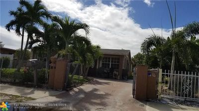 Deerfield Beach Single Family Home For Sale: 218 SW 3rd St