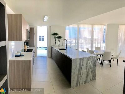Fort Lauderdale Condo/Townhouse For Sale: 401 N Birch Rd #400