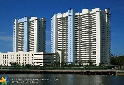 North Miami Condo/Townhouse For Sale: 14951 Royal Oaks Ln #608