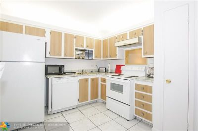 Lauderhill Condo/Townhouse For Sale: 4740 NW 21st St #104